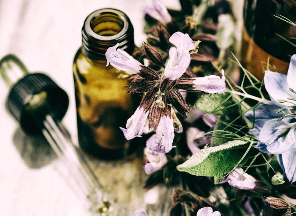 Bulk oils, oil powders & softgels to United Arab Emirates from U S